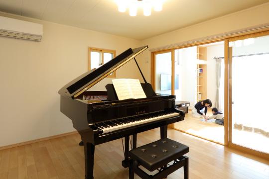 ピアノの練習部屋